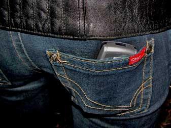 mobiel-in-broekzak.jpg